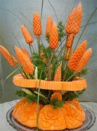 Искусство карвинга: шишка из моркови