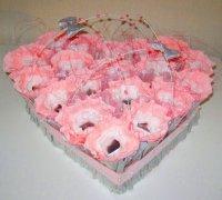 Сердце из конфет в подарок ко Дню святого Валентина