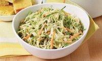 Легкий салат с капустой и морковью