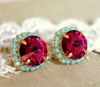 Must-have для всех ярких девушек: гвоздики с кристаллами Swarovski и бирюзой