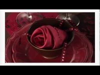 Готовимся ко Дню святого Валентина: салфетка в форме розы