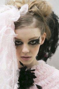 Кружевной макияж от Chanel