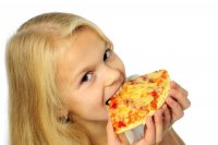 Как отучить ребенка от вредной пищи?