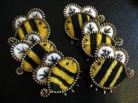 Брошки-пчелки