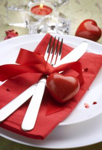 Идея сервировки стола ко Дню святого Валентина