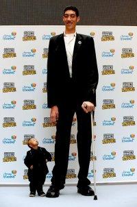 Султан Кесен - самый высокий человек в мире