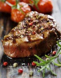Мясо в еловых ветвях