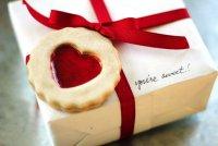 Упаковка подарка на День святого Валентина с «печеньем»