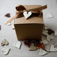 Романтическая идея упаковки подарка на День святого Валентина