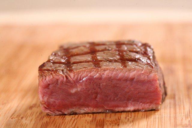 Степень прожарки стейков: rare