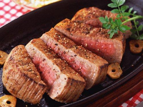 Степень прожарки стейков: medium rare