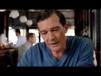 Антонио Бандерас в рекламе жевательной резинки Extra
