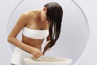 Как правильно мыть волосы шампунем?