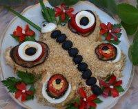 Слоеный салат на 8 Марта «Бабочка» («Мадам Баттерфляй»)