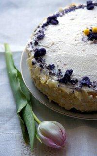 Рецепты на 8 Марта: фиалковый торт