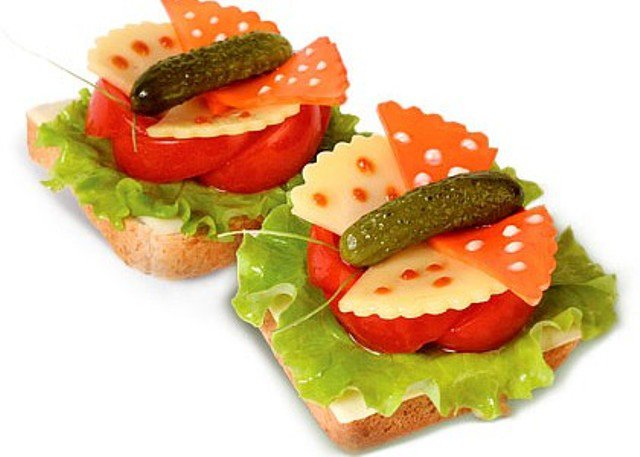 Идея оформления бутербродов на 8 Марта
