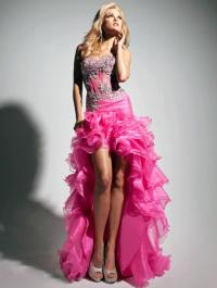 Платье на выпускной: рюши и асимметричный подол
