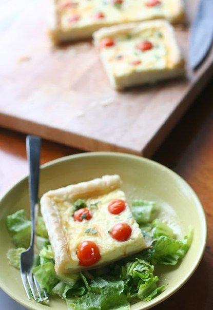 Пирог с козьим сыром и помидорами