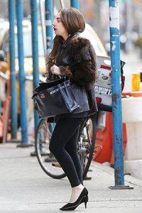 Леди Гага снова может ходить!
