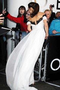 Шикарное платье Ольги Куриленко: вид сзади