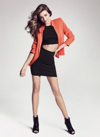 Модный тренд весны 2013: короткий топ