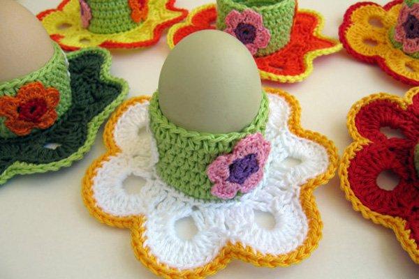 Вязаная подставка для пасхальных яиц