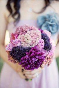 Свадьба в сиреневом цвете: образы жениха и невесты