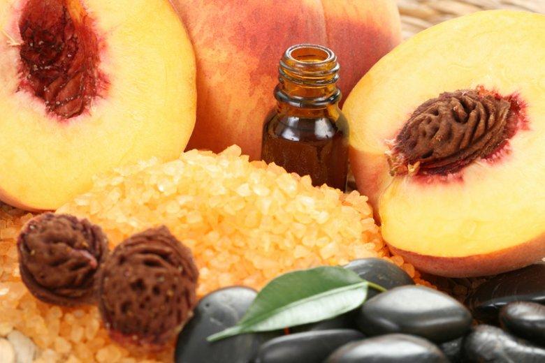 Персиковое масло для ухода за лицом