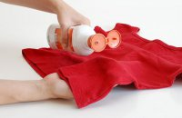 Как удалить пятна крови с одежды?