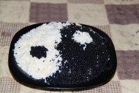 Салат с черной икрой «Инь-Янь»