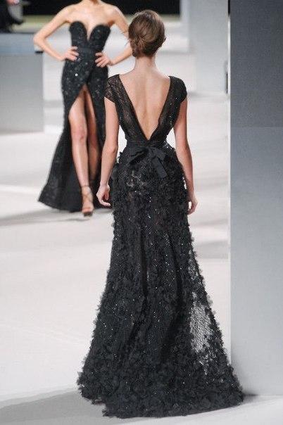 Интересные платья с вырезом на спине