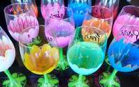 Как необычно украсить бокалы красками