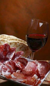 Учимся правильно подбирать вино к мясу