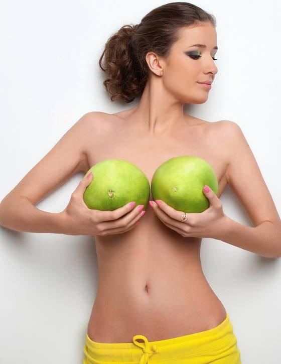 Народные методы увеличения груди: правда и вымысел