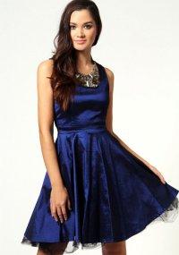 Платье на выпускной с пышной юбкой