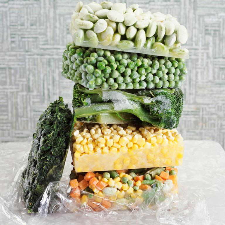 В чем лучше замораживать продукты?