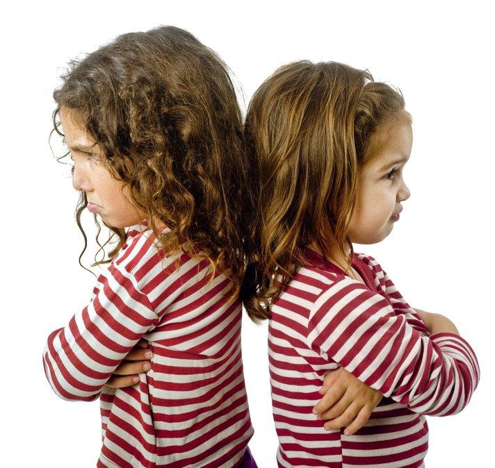 Ссора братьев и сестер: причины конфликта