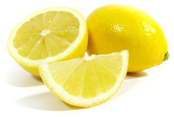 Экспресс-педикюр с помощью лимона