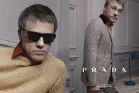 Кристоф Вальц и другие примерили Prada