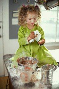 Игры с ребенком на кухне: Золушка