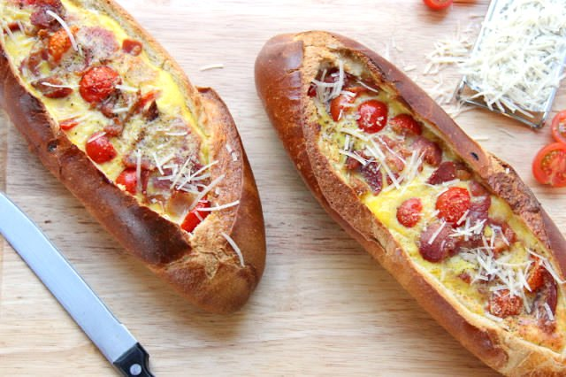 Лодки из батона - вкусный завтрак для мужчин