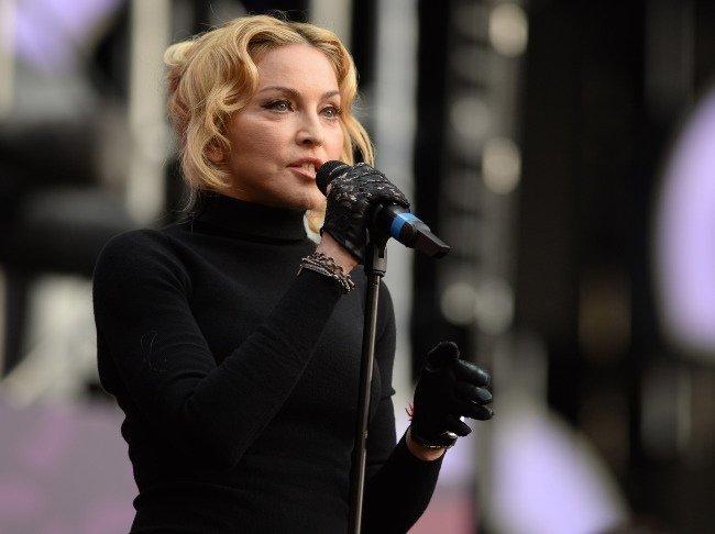 Мадонна гоняется за молодостью