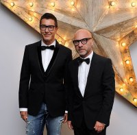 Доменико Дольче и Стефано Габбана все-таки примерят костюмы в полоску