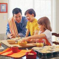 Игры с ребенком на кухне: юный дизайнер