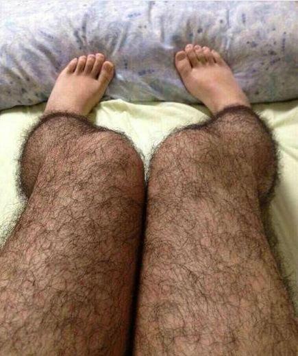 Волосатые колготы для отпугивания мужчин
