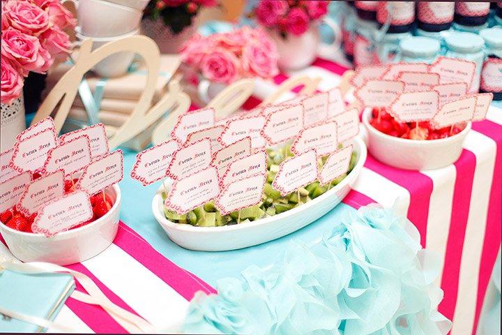 Яркое вдохновение для оформления сладкой зоны на свадьбе
