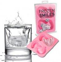 Ледяная челюсть в стакане
