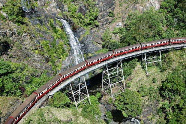 Железнодорожный ужас: Индонезия