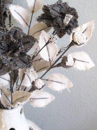 Красивый букет цветов из ткани