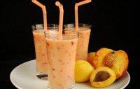 Прохладный абрикосовый смузи